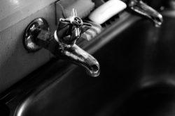 Hot water facet