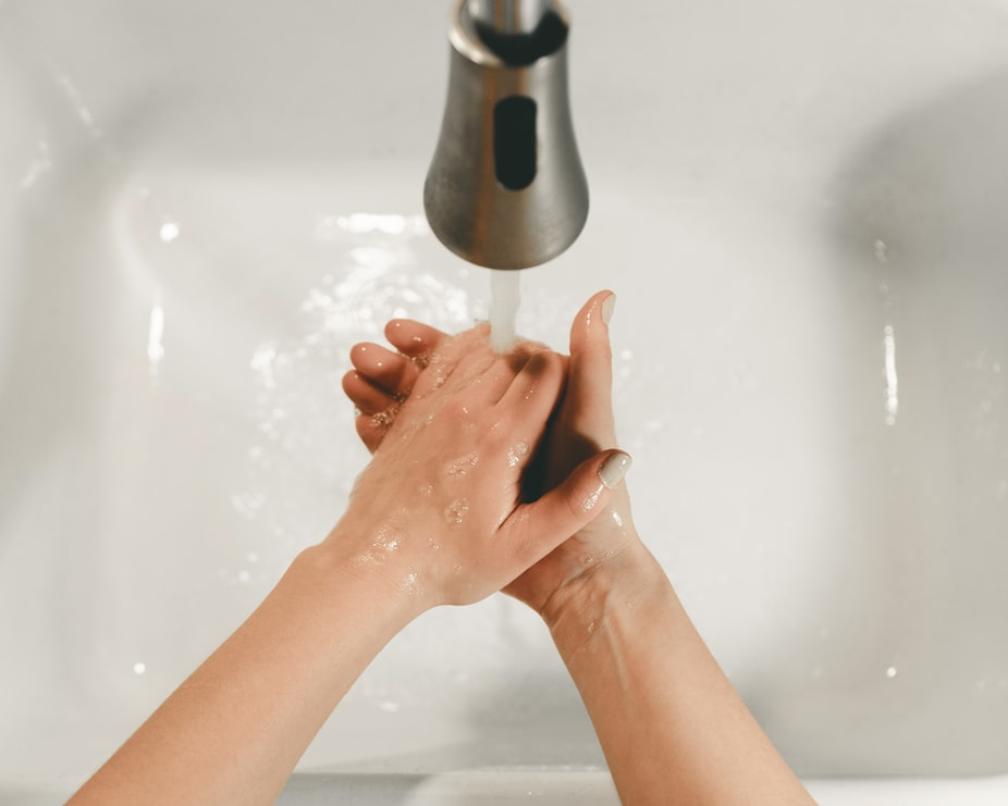 hand washing in hot water